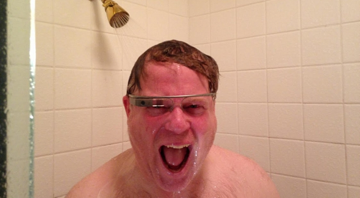 Google-Glass-Works-in-the-Shower-Robert-Scoble-Demonstrates1